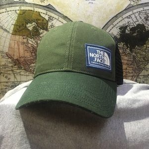 NWOT The North Face Trucker Hat